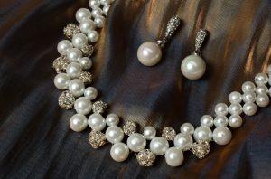 """pearl jewellery"""