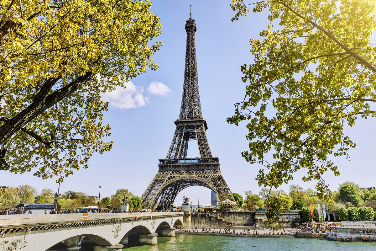 Eiffel Tower in Paris, France representing easy European vacations for Jamaicans.
